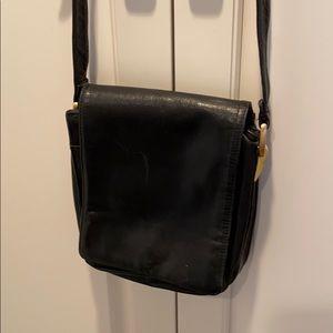 Valerie Stevens cross body black leather hsndbag🔥